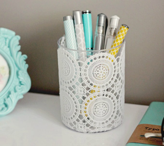 doily pen holder