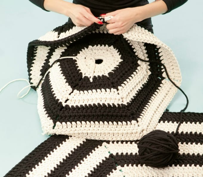 DIY crochet pattern rug
