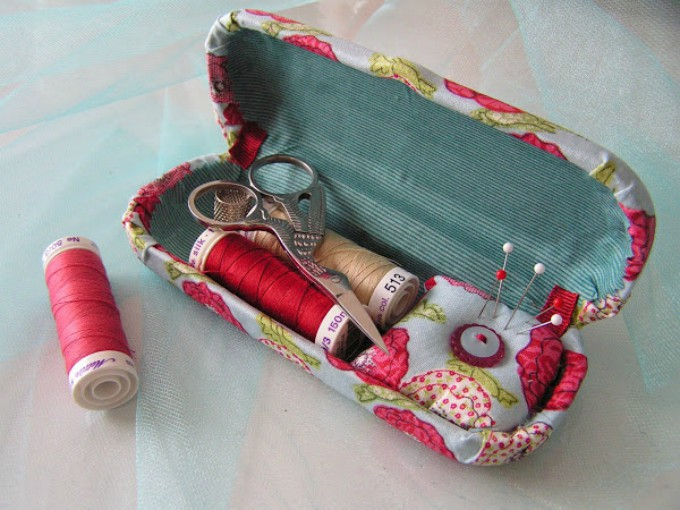sunglasses case sewing kit