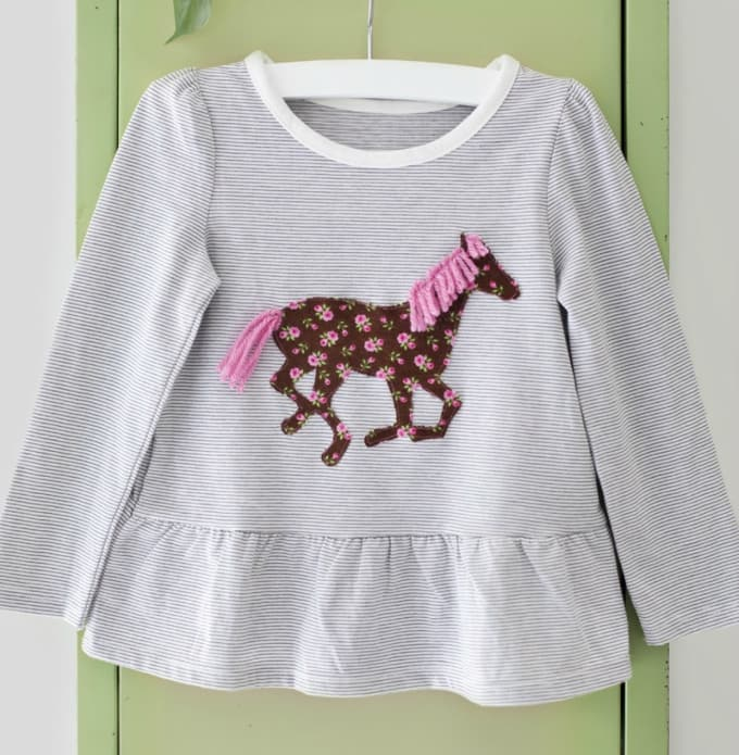 horse applique shirt