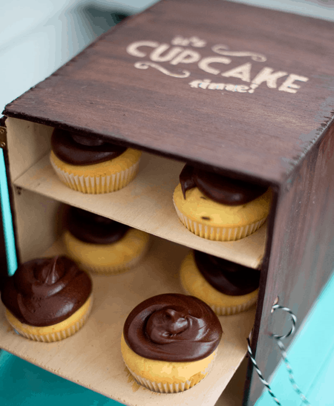 fancy wooden cupcake carrier
