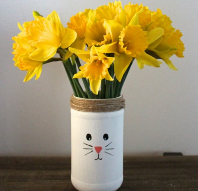 DIY rabbit vase