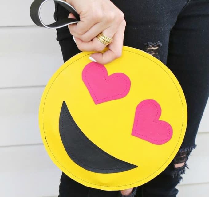 DIY emoji purse