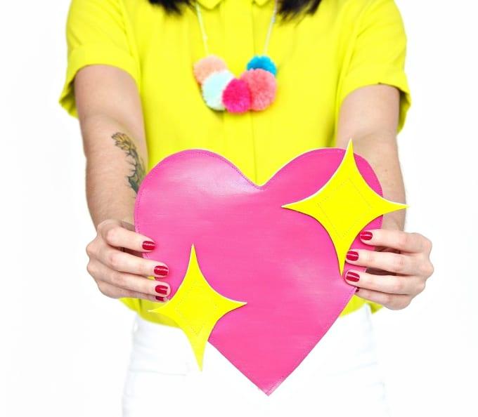 heart emoji clutch