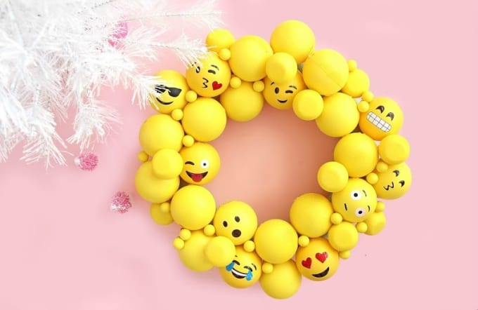 emoji ornament wreath