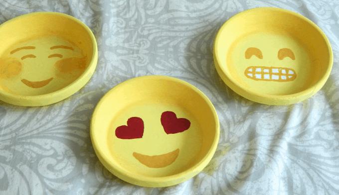 emoji ring dishes