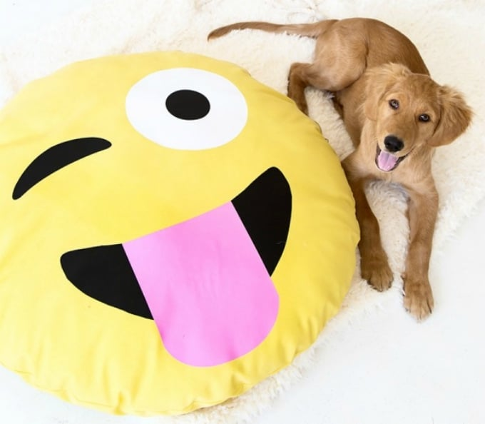 emoji dog bed
