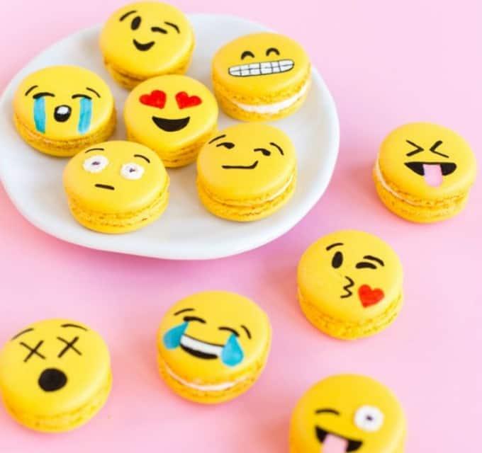 emoji macaroons