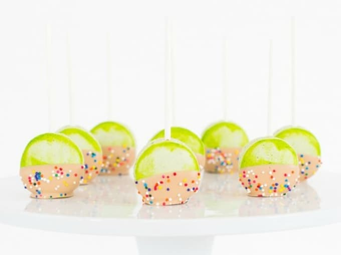 candied apple macarons