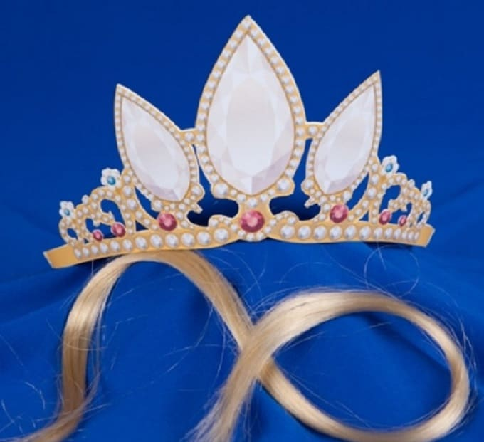 Rapunzels Printable Crown - Check out our list of 39 other DIY crown and tiaras that you can create for your next party | Coolcrafts.com
