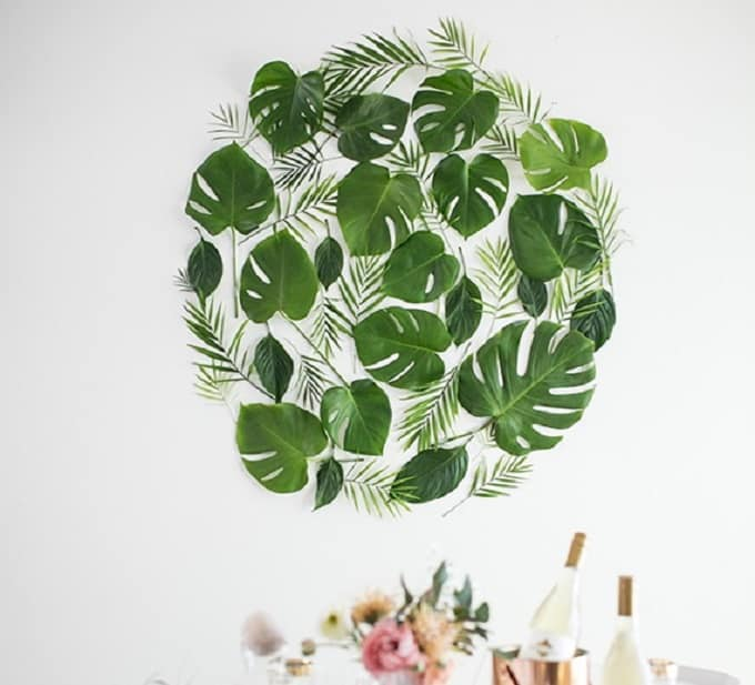 Leaf Backdrop - We compiled an eye-catching list of 30 DIY tropical leaf craft ideas for you try. | Coolcrafts.com