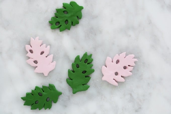 Tropical Leaf Magnets - We compiled an eye-catching list of 30 DIY tropical leaf craft ideas for you try. | Coolcrafts.com