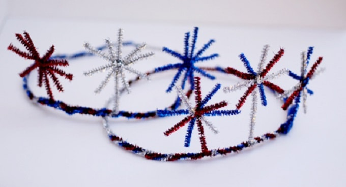 DIY Fireworks Crown - Check out our list of 39 other DIY crown and tiaras that you can create for your next party | Coolcrafts.com
