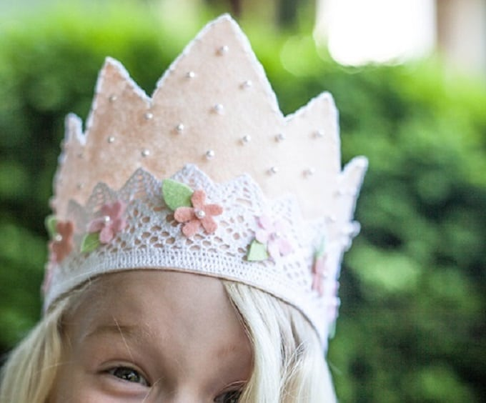 Felt and Lace Princess Crown - Check out our list of 39 other DIY crown and tiaras that you can create for your next party | Coolcrafts.com