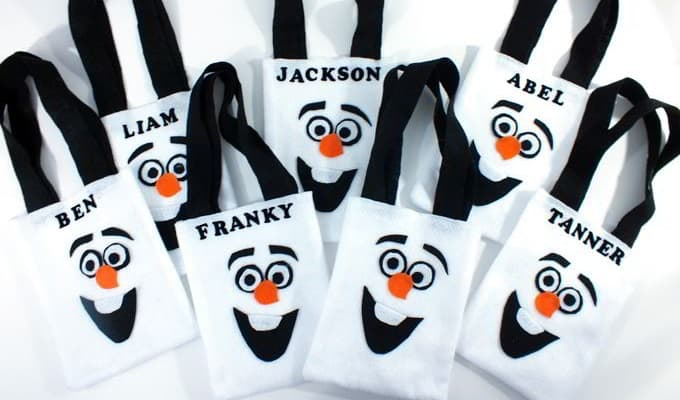 Olaf Party Favor Bags - Check out 34 other eye-catching goodie bag ideas that you can make for your next party. | Coolcrafts.com
