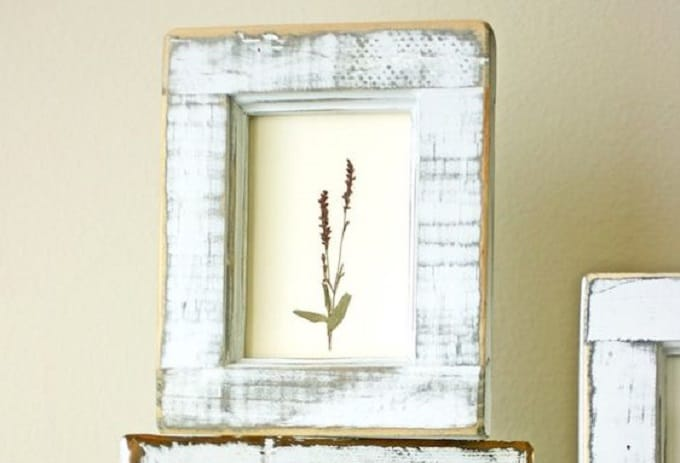 Pressed Flower Art - We compiled a list of 39 other DIY pressed flower ideas for you to make | Coolcrafts.com
