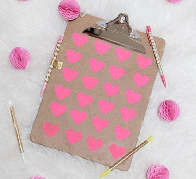 heart pattern clipboard