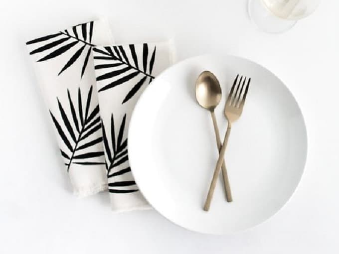 DIY palm leaf napkins