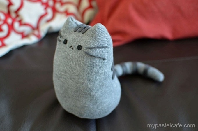 DIY Pusheen sock