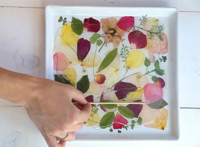 DIY pressed flower serving tray