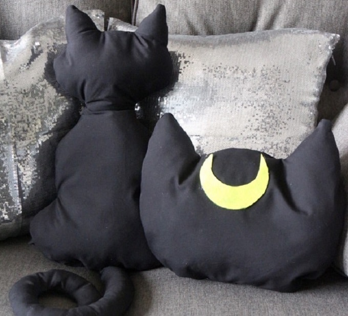 diy luna pillow