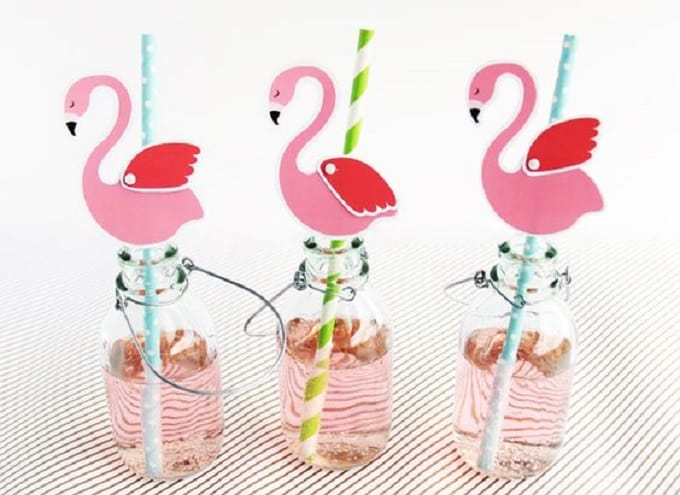DIY printable flamingo straw toppers