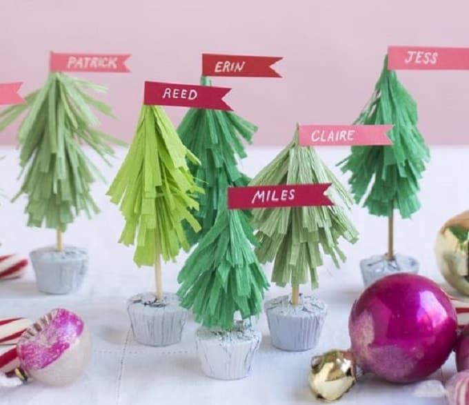 Christmas tree name cards