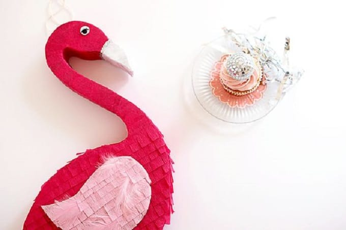 DIY flamingo piñata