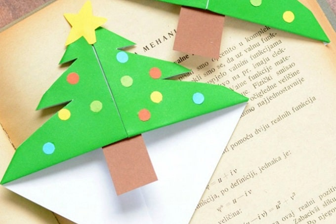 Christmas tree bookmark corners
