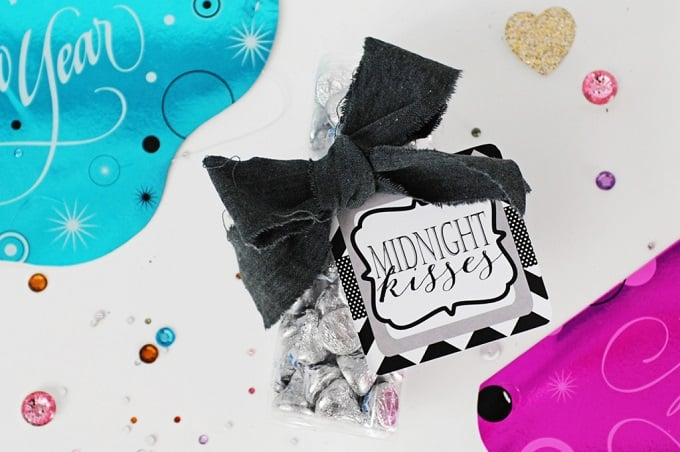 'midnight kisses' bag