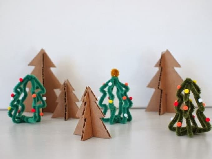 mini Christmas tree pipe cleaners