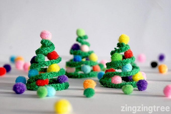 pipe cleaners Christmas trees