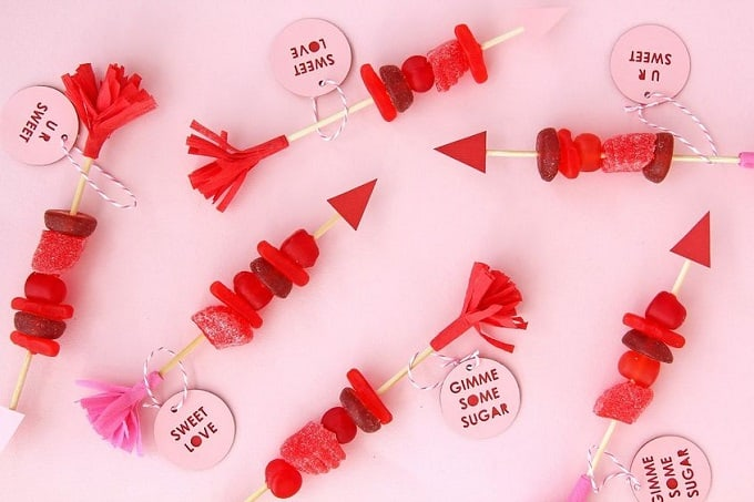 DIY candy arrows