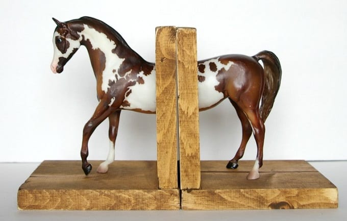 spotted horse bookend