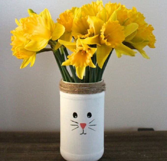 DIY bunny vase