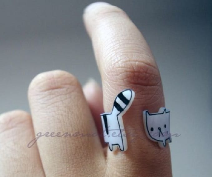 DIY wraparound cat ring