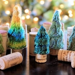 Pint Sized Holiday Tree Wine Stoppers